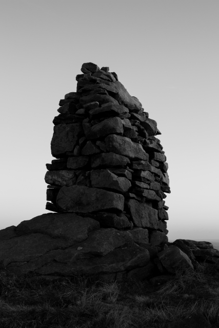 Smaller Cairn, Skipton Moor, 01 (Flickr).jpg