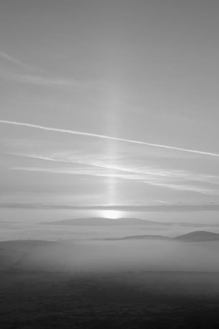 Sunrise, Skipton Moor in Fog (Flickr).jpg