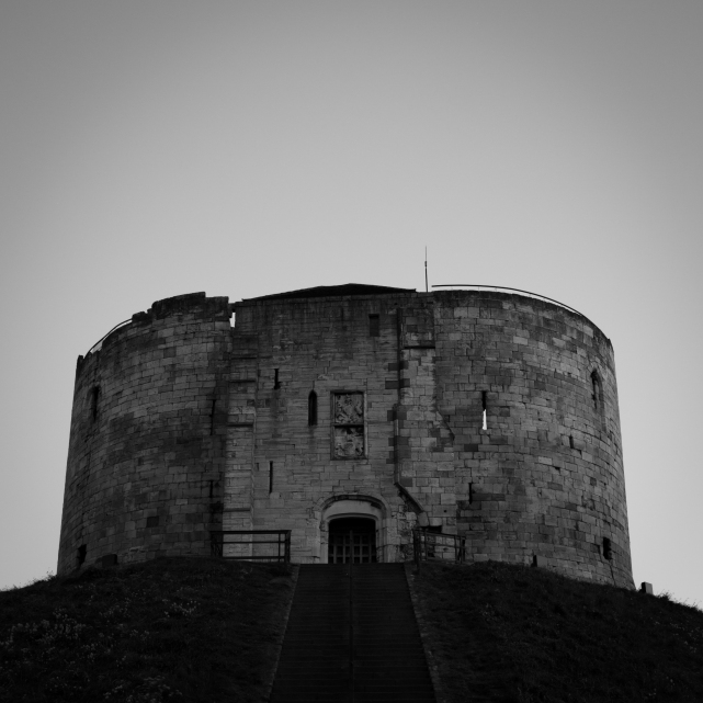 Clifford's Tower (Flickr).jpg