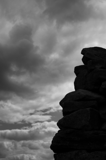 Smaller Cairn, Skipton Moor, 02 (Flickr).jpg