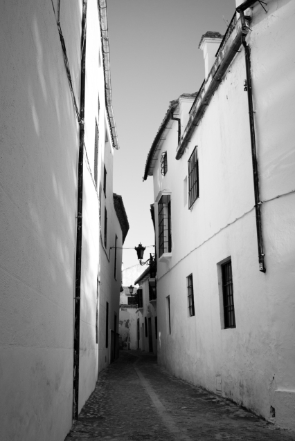 Calle Ruedo Alonso Gamero, Ronda (Flickr).jpg
