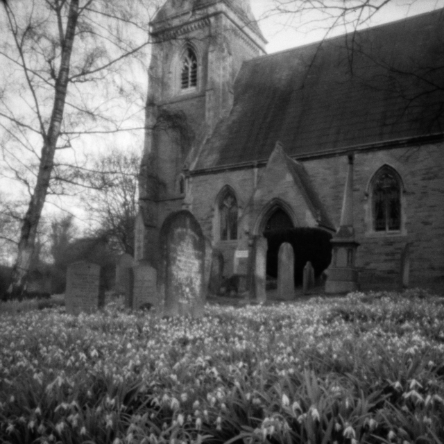 Heslington Church, Pinhole, 02 (Flickr).jpg